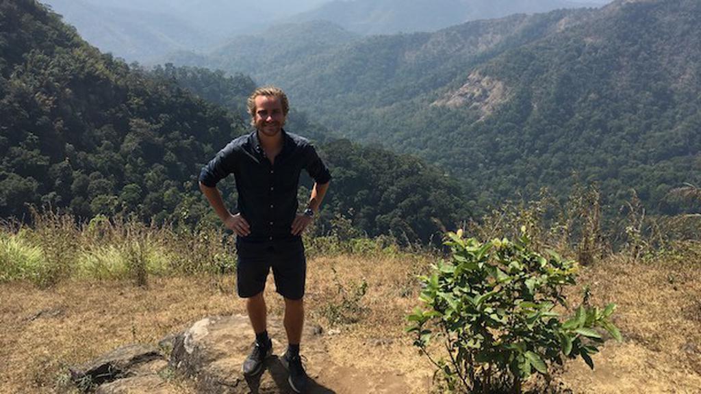 Holder bag Biosyntia. Andreas Hougaard Laustsen (th) er på 2017-udgaven af Forbes' anerkendte