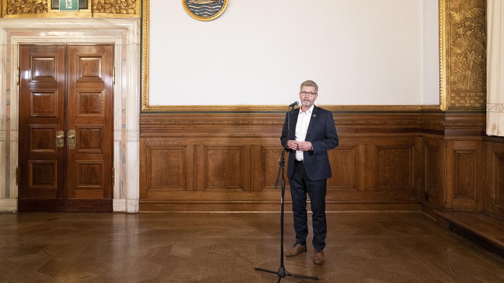 Frank Jensen udtaler sig til pressen efter krisemøde på Rådhuset
