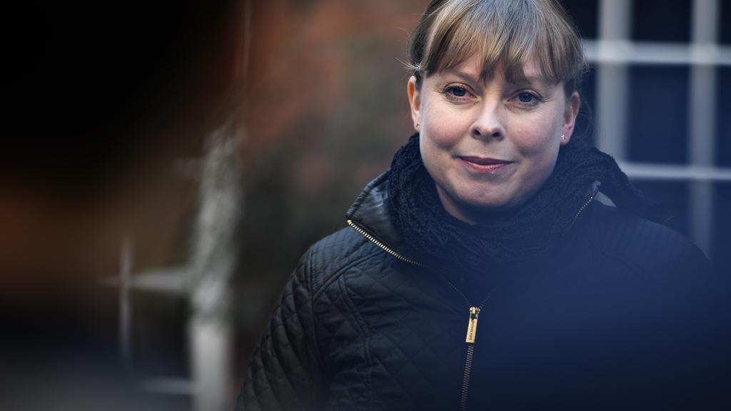 Kulturminister Joy Mogensen holder pressemøde