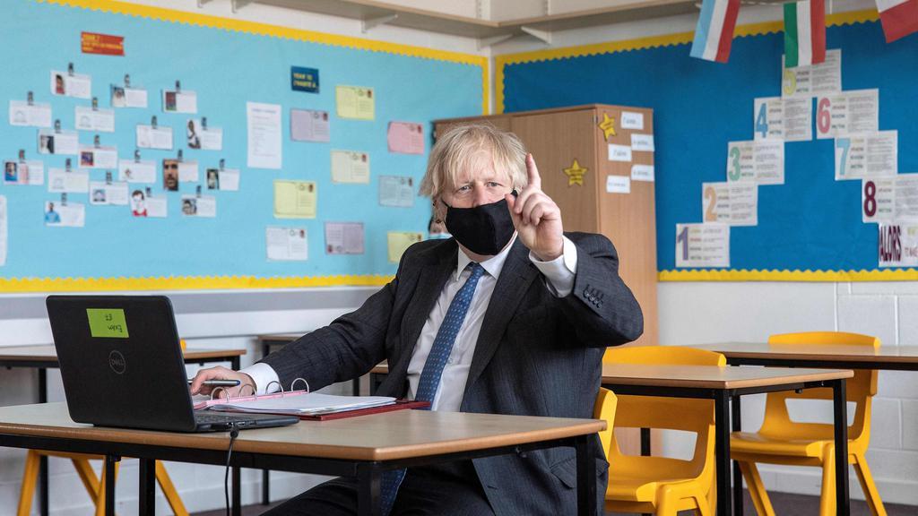 BRITAIN-HEALTH-VIRUS-POLITICS-SCHOOL
