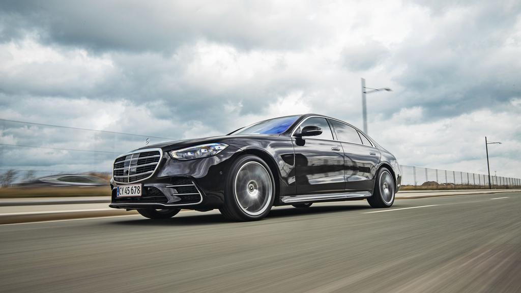 Mercedes S500 1.jpg