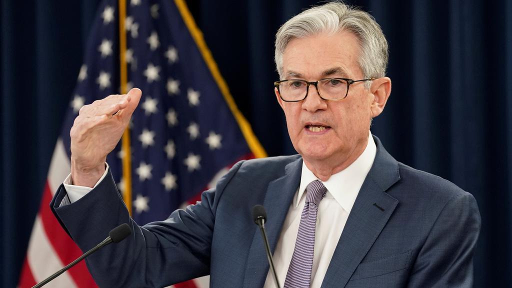 FILE PHOTO: FILE PHOTO: U.S. Federal Reserve Chairman Jerome Powell speaks in Washington