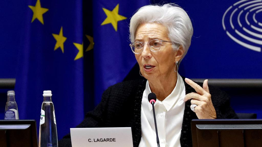 FILE PHOTO: FILE PHOTO: European Central Bank President Lagarde in Brussels