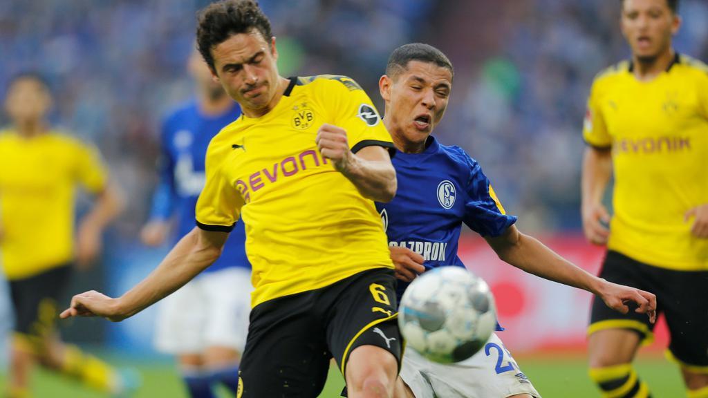 Bundesliga - Schalke 04 v Borussia Dortmund
