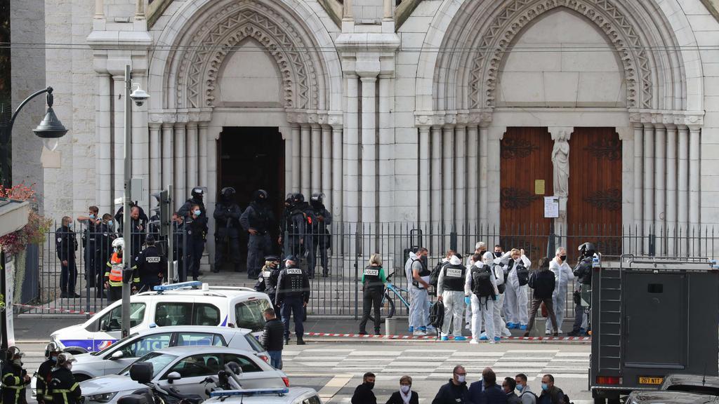TOPSHOT-FRANCE-POLICE-INVESTIGATION-ATTACK