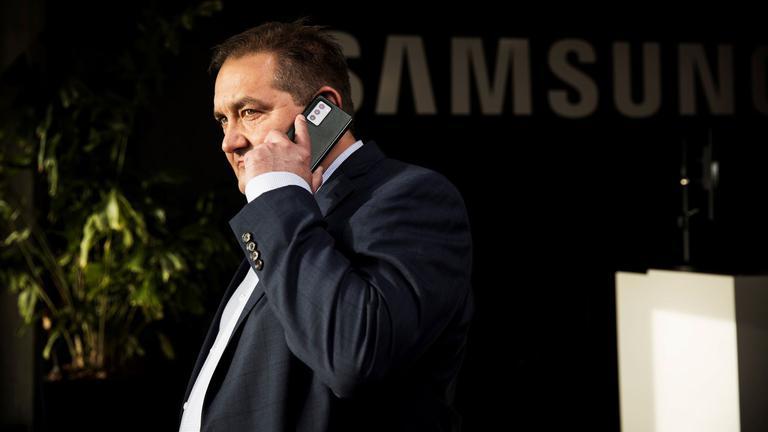 Samsung 04 light.jpg