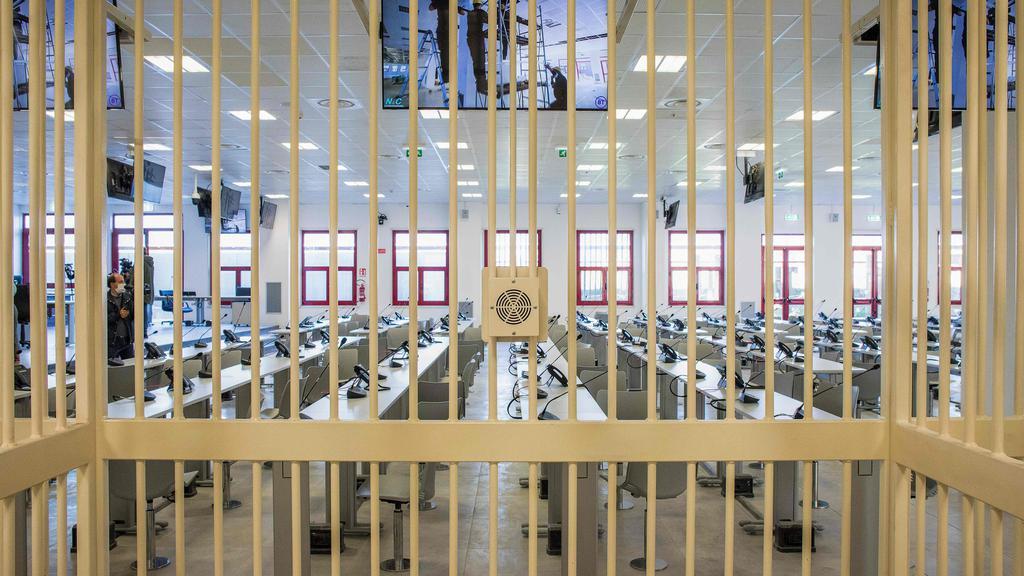 RB PLUS Mafiasag mod 355 personer begynder i specialbygget retssal i Italien