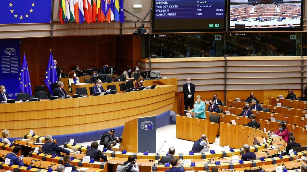 Nu må Danmark komme ud af EU-slæbegearet...