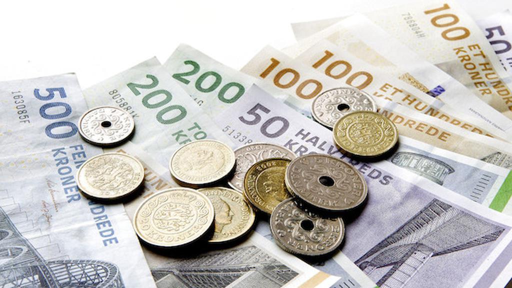 Børsmægler med 100.000 danske kunder indfører negative renter