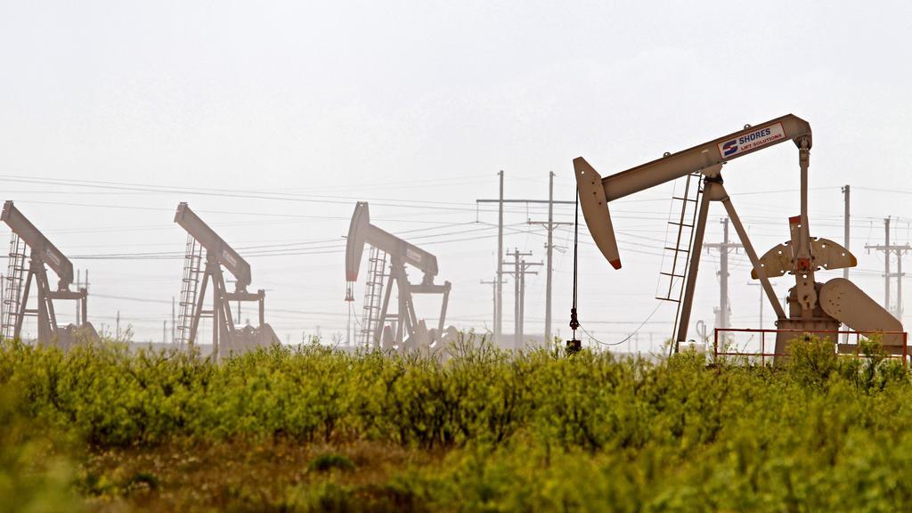 Latshaw Drilling Rig