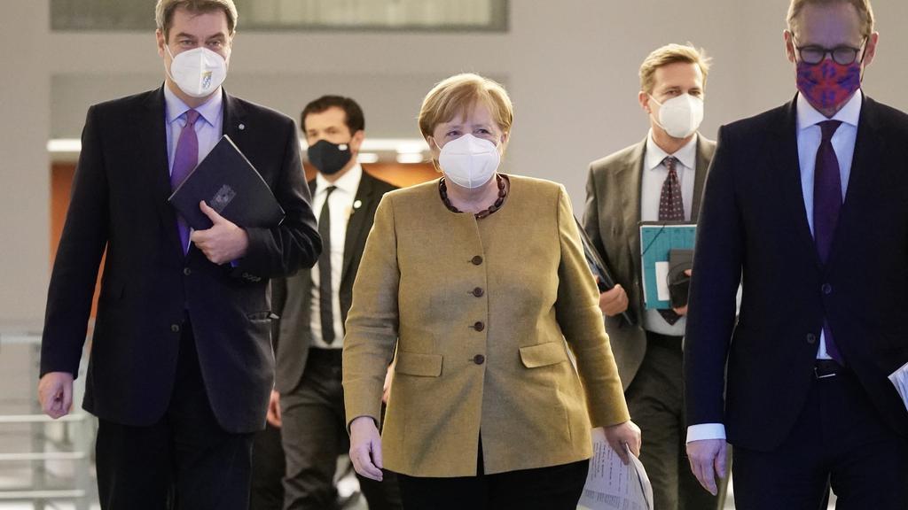 FILES-GERMANY-HEALTH-VIRUS-POLITICS