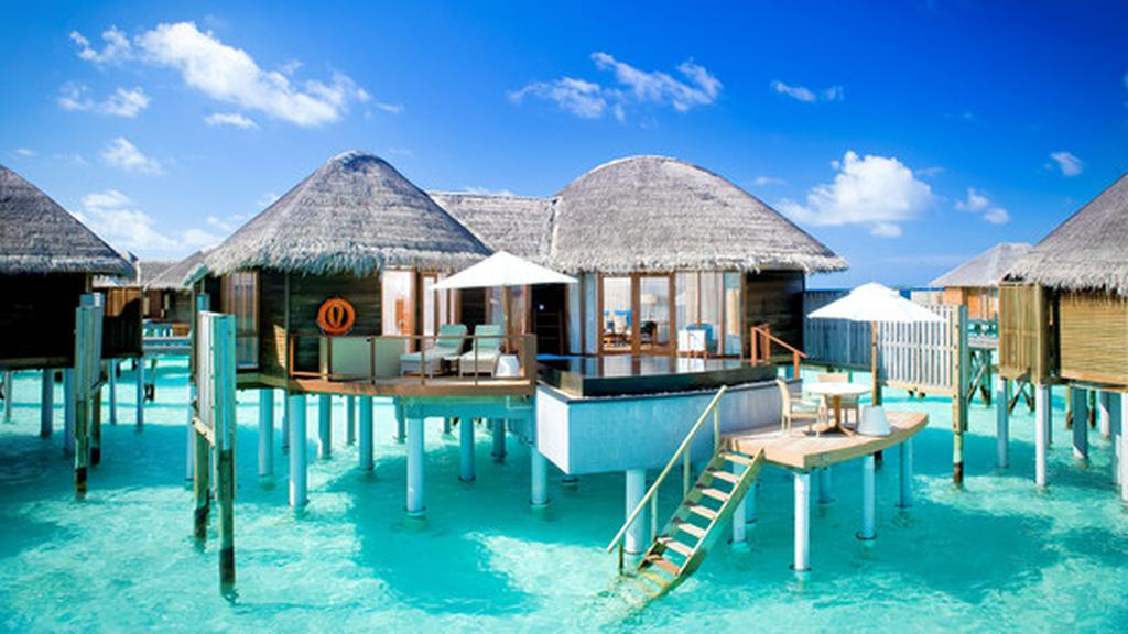 Paradis Resort Hvor Klicheer Kommer Til Kort
